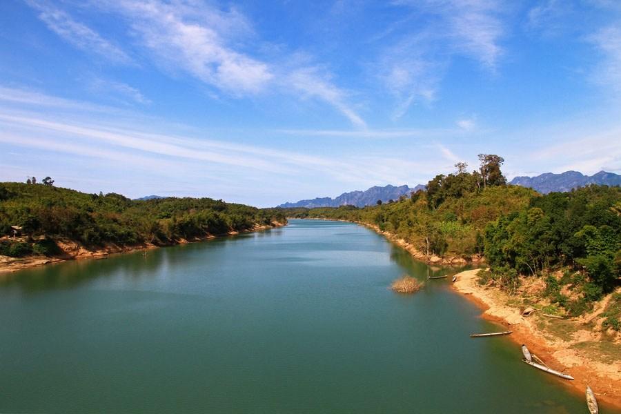 Mekhong River - by www.namkhanproject.com